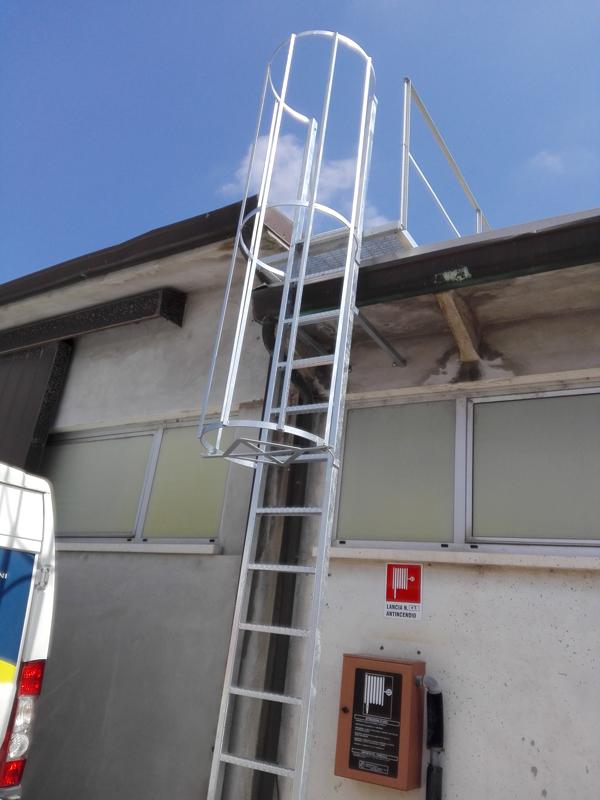 scala con gabbia vita in sicurezza fano pesaro